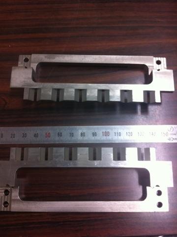 ロボットハンド・チャックの爪へのウレタンゴムライニング11種類-⑪