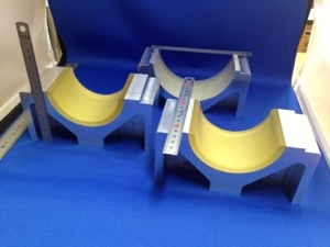 先日のアルミ製の金具の完成品迄の工程 - ウレタンゴム加工