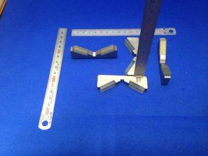 ロボットハンド・チャックの爪へのウレタンゴムライニング