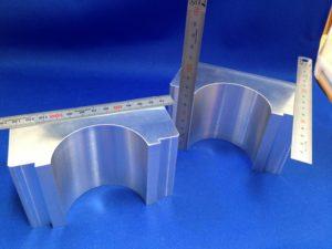 本日のウレタンゴムライニングするアルミの金具 - ウレタンゴム加工