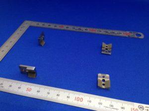 ロボットハンド・チャックの爪へのウレタンゴムライニング。 - ウレタンゴム加工