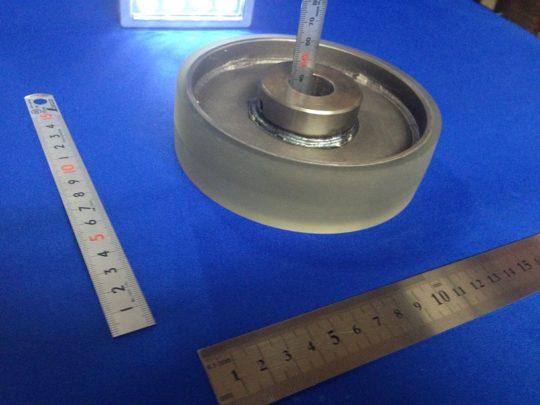 硬度85度のウレタンゴムのクラウン加工(R220)