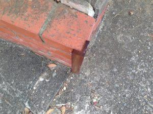 縁石での車の裂傷防止にウレタンゴム - ウレタンゴム加工