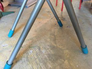 椅子の脚にウレタンキャップ - ウレタンゴム加工