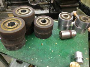木材の4面プレーナー加工に使用するローラー② - ウレタンゴム加工